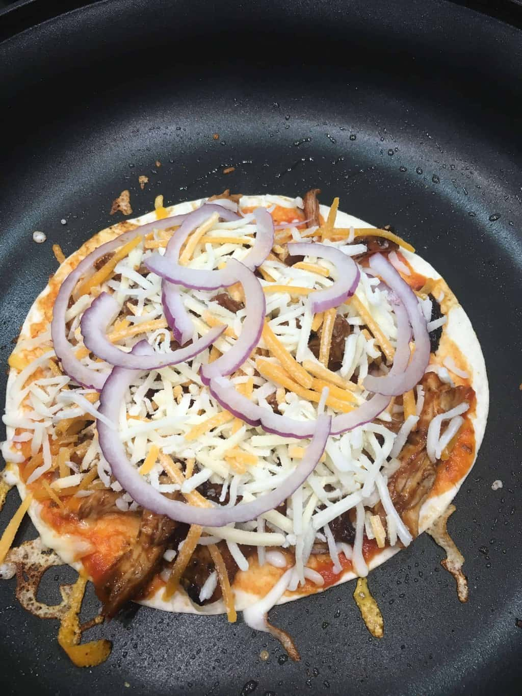 How to make tortilla pizza