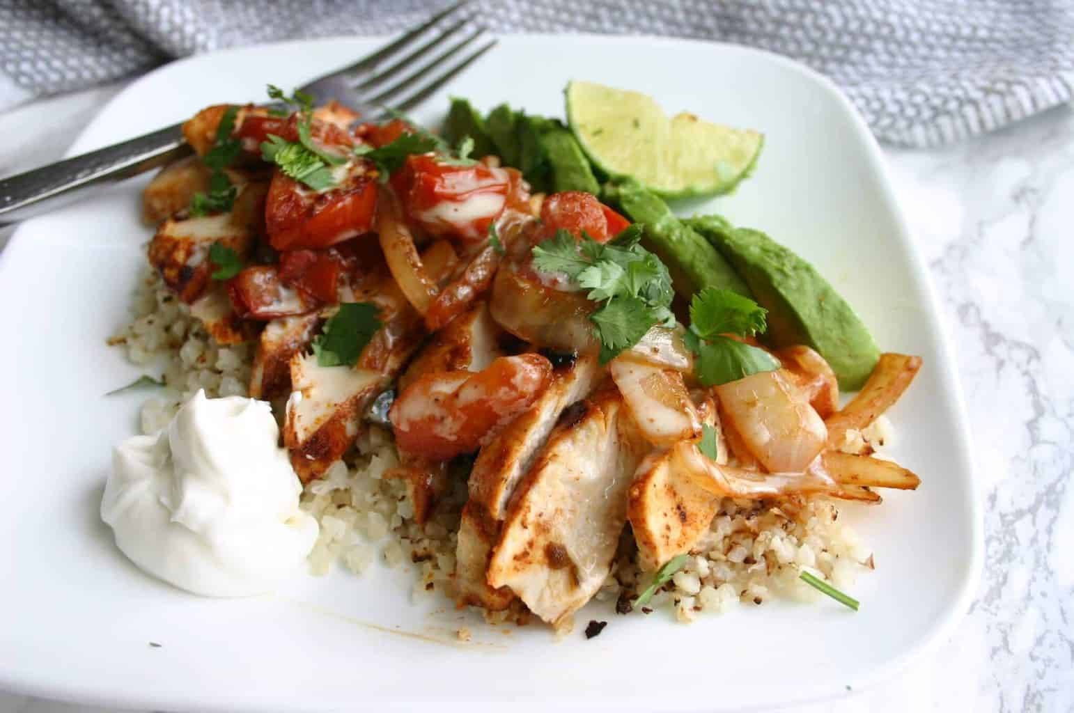 Low carb cauliflower rice recipes - Mexican fajita chicken over cauliflower rice!