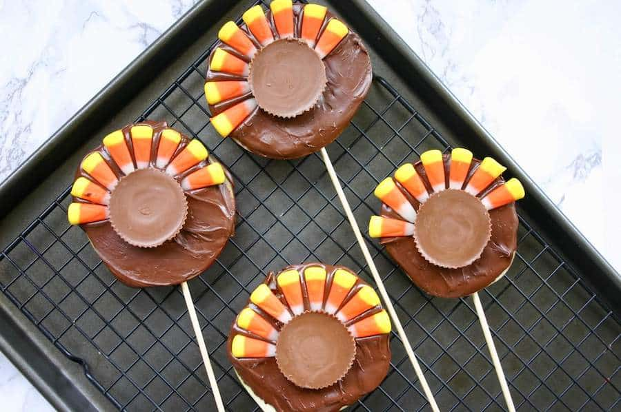 chocolate apple Thanksgiving snacks for kids being made