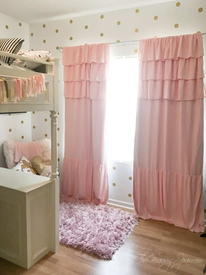 13 Small Bedroom Decorating Ideas on a Budget | The Savvy ...