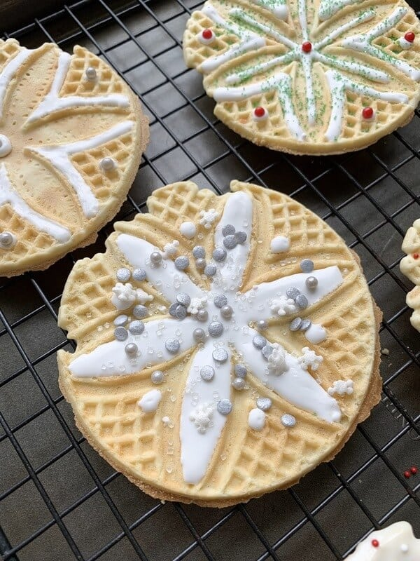 No bake Christmas cookies using pizzelle cookies!