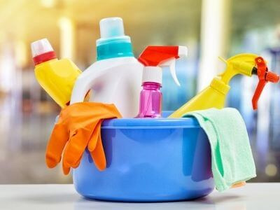 How to Keep a Clean House Even if You're Crazy Busy – 11 Easy Tips!