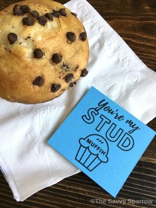 love note next to a muffin