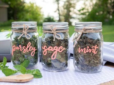 DIY Spice Jar Labels with Cricut – Plus FREE SVG