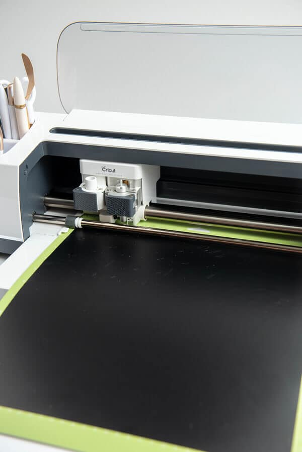 cricut machine with black vinyl