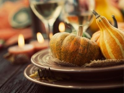 12 Tips for Hosting Thanksgiving Dinner – From an Experienced Hostess!