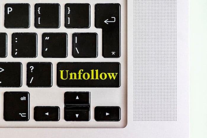 unfollow button on a keyboard