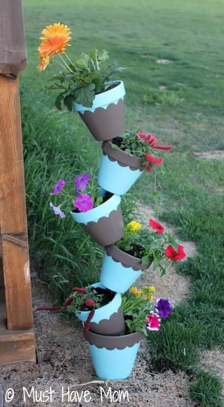 sculptural DIY outdoor planter made from pots