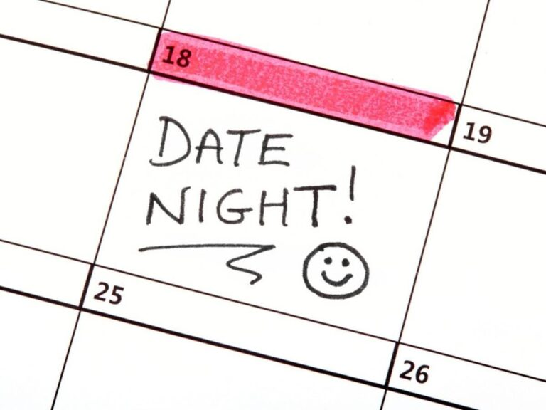 39 of the Best Two Person Date Night Games for Couples