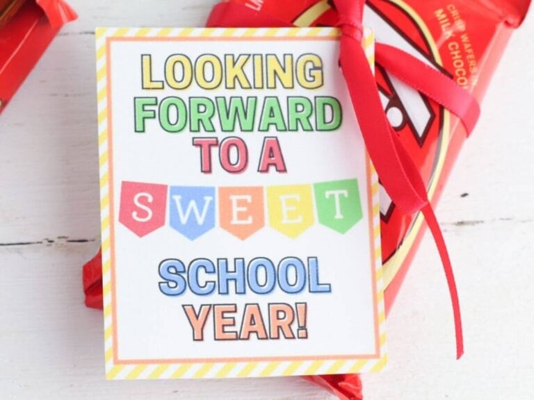 Easy Cookie or Candy Teacher Gifts (with Free Printable Gift Tags!)