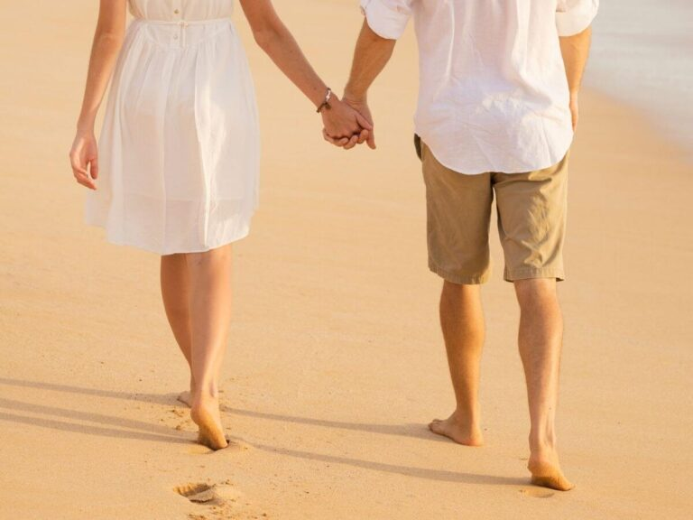 6 Tips for Dating Your Spouse (And Why It Should Be Your TOP Priority!)