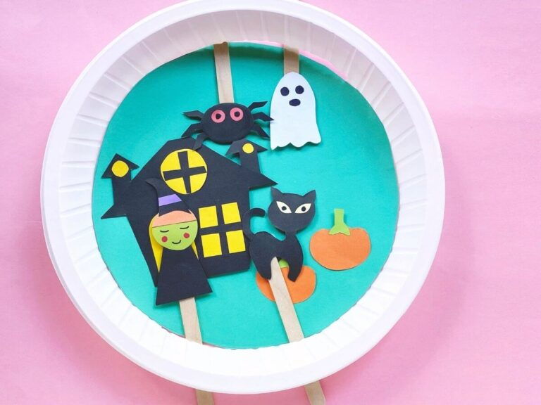 Halloween Paper Plate Craft for Kids – Cute Moveable Halloween Scene!