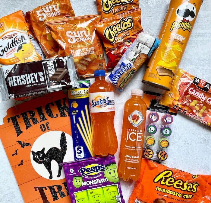 snacks, treats, and drinks to put in a boo basket